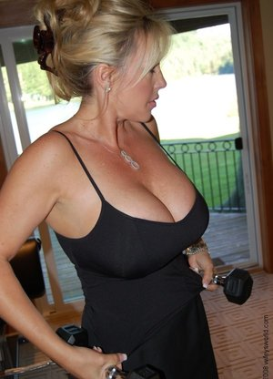Best Housewife Pics